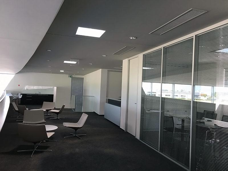 Dosvetlenie predajného stánku AUDI svetlovodomi Sunway