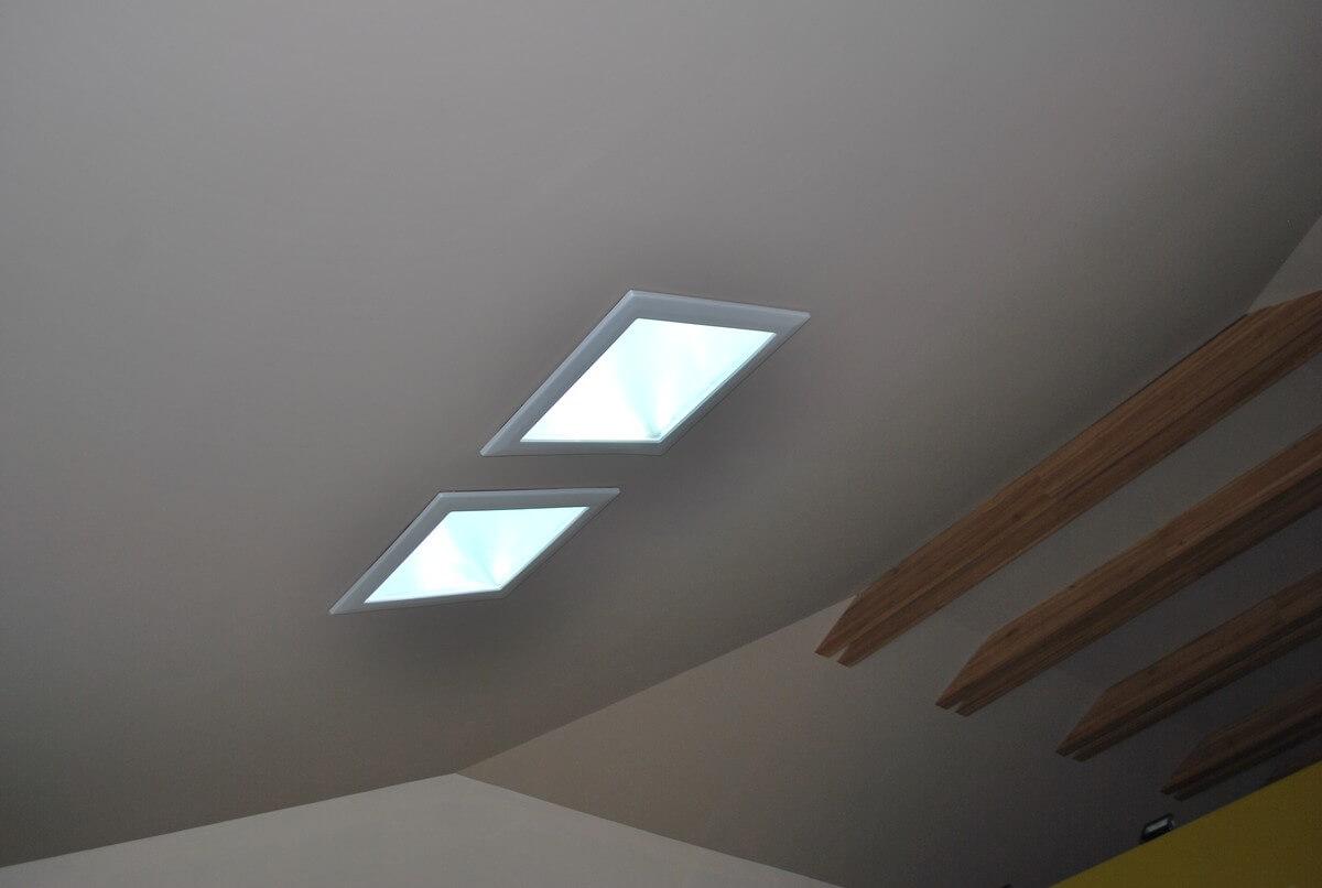 Svetlovod v podkroví rodinného domu