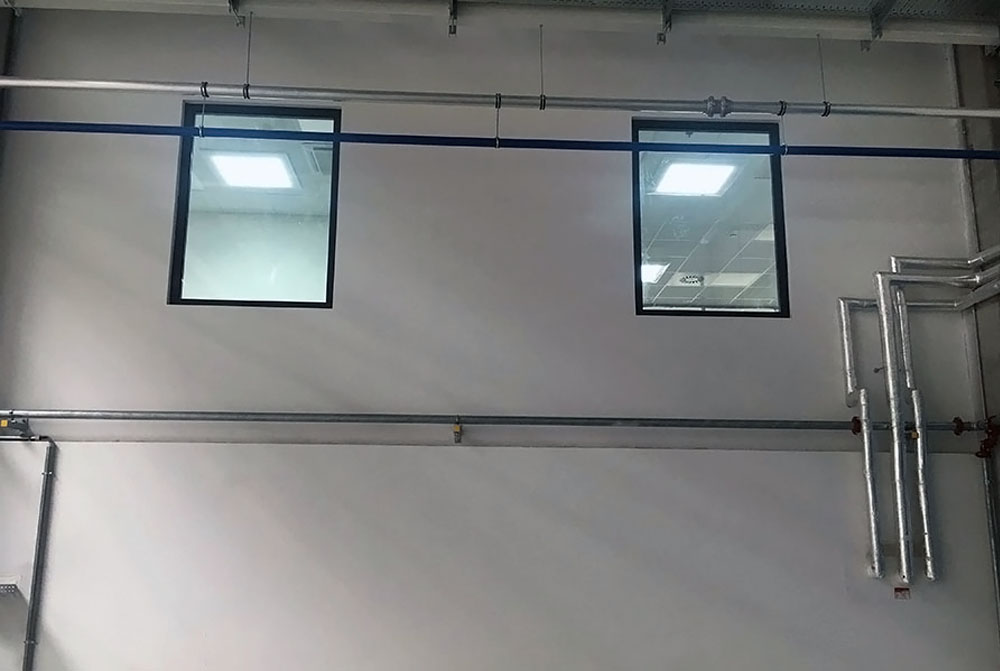 Svetlovody Sunway vo fabrike_male