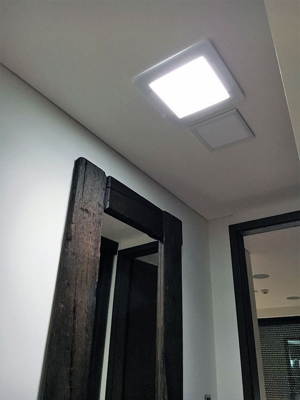 Osvetlenie houseboatu pomocou svetlovodu Sunway